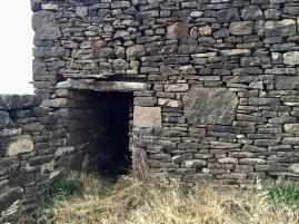 Caseta del corral de Longás de la SIerra