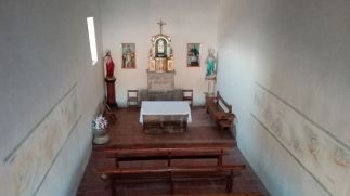 Vista del altar de la ermita