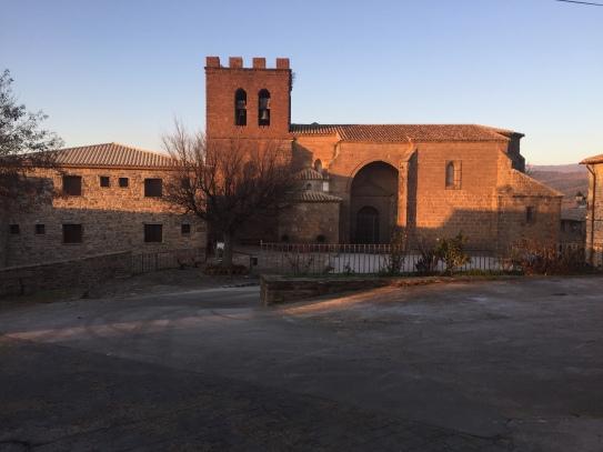 Vista de la Iglesia y Plaza 2016