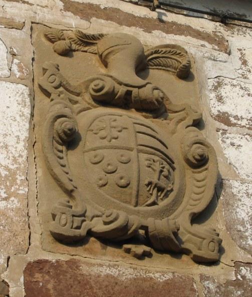 Escudo Casa del Herrero