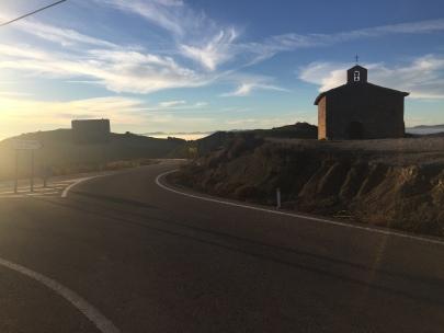 Carretera Undués - Sos a su paso por la ermita de Santa Eufemia
