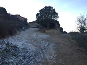 Subida al pueblo por la calzada romana