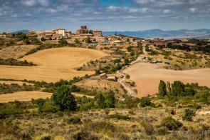 Vista de Undués desde el camino de Santiago