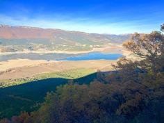 Vista del embalse de Yesa desde La Nava