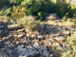 Restos de estructuras de casas en Serramiana