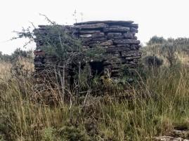 Caseta de labradores en el camino a la Sierra